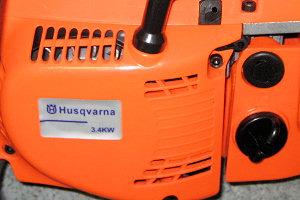 На наклейках настоящих бензопил Husqvarna не пишут мощность